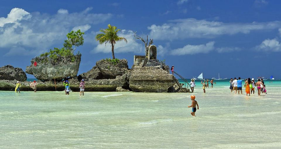 Boracay-most beautiful islands in Southeast Asia1