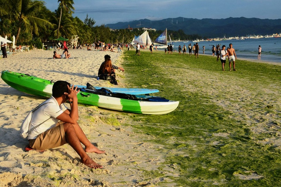 Boracay-most beautiful islands in Southeast Asia10
