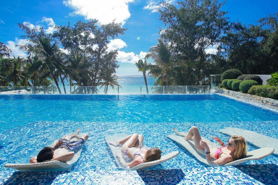 Boracay-most beautiful islands in Southeast Asia9