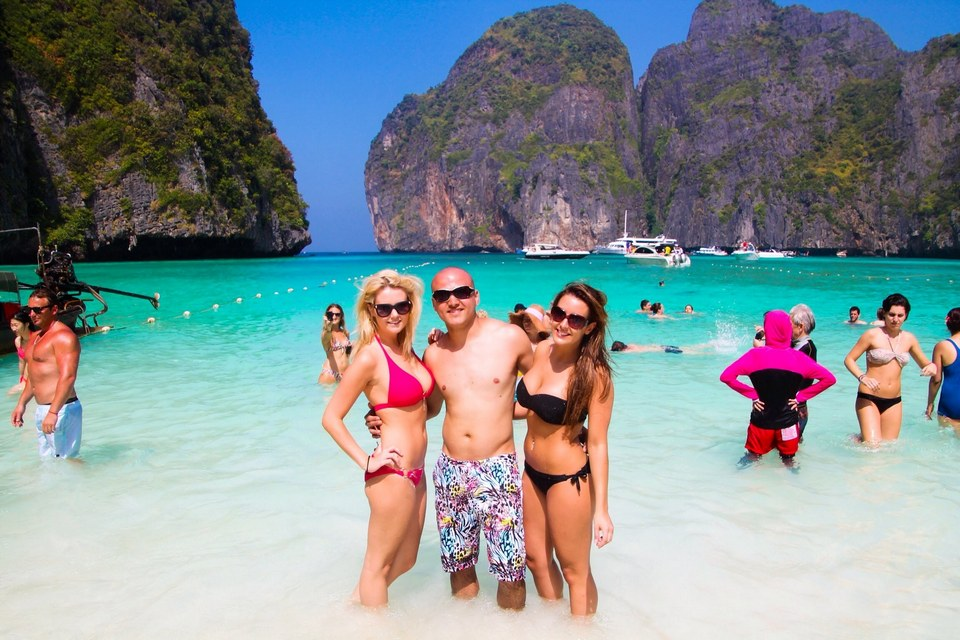 Koh Phi Phi-most beautiful islands in Southeast Asia4