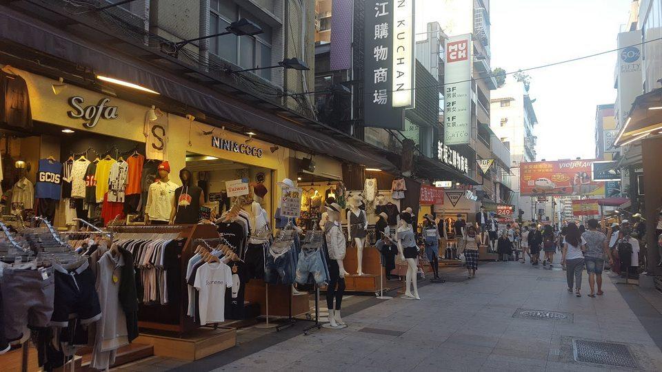 XinJueJiang night market-Kaohsiung-taiwan-traveling to Kaohsiung 2 days 1 night
