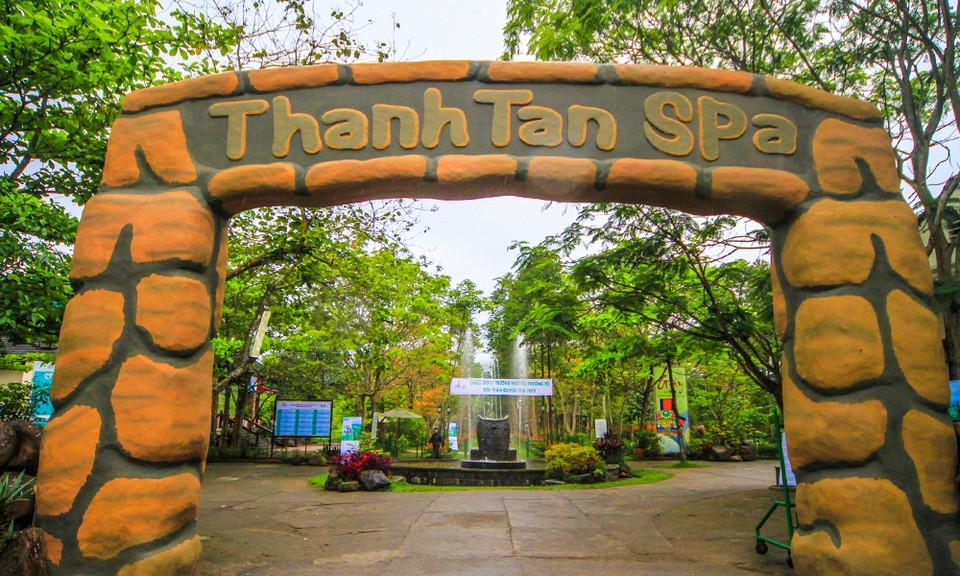 Alba Thanh Tan Hot Springs Resort - zipline-Hue8
