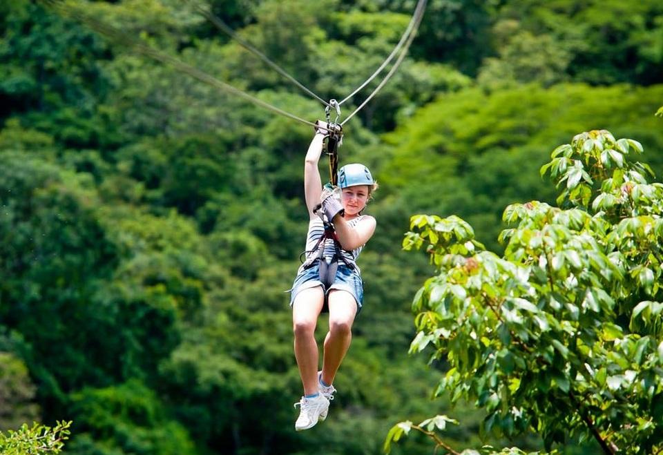 Zipline-Flight-of-the-madagui zipline vietnam zipline in vietnam zipline đà lạt zipline quảng bình