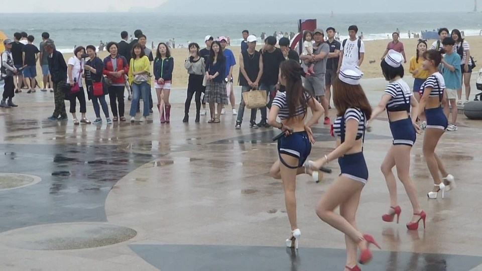 Dancing girls of PUSAN, KOREA - Haeundae Beach