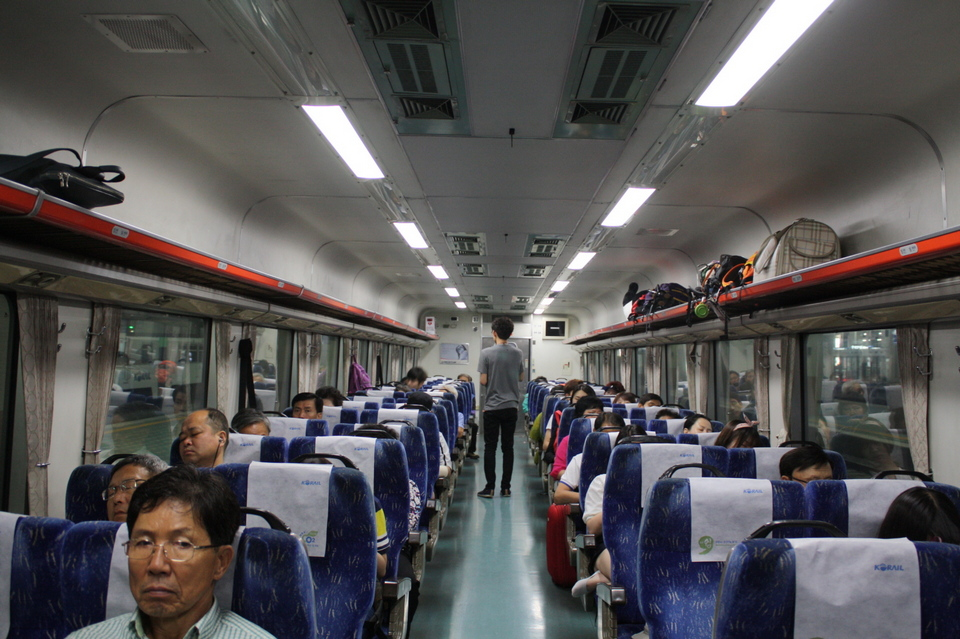 The seats were reasonably spacious, but less well equipped than those on the KTX. No tray tables or centre armrests here.