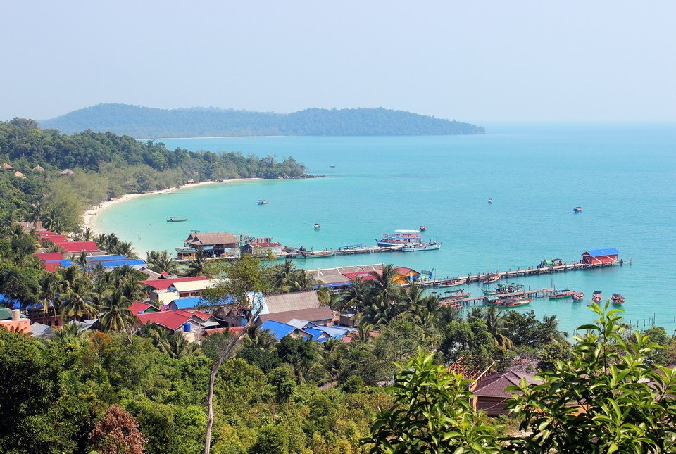 view-koh-rong m'pai bay seen from above