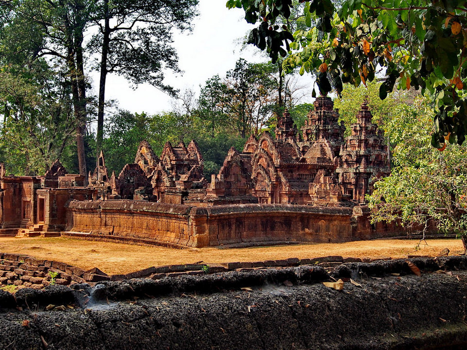 Banteay Srei Temple - Angkor Temple Guide