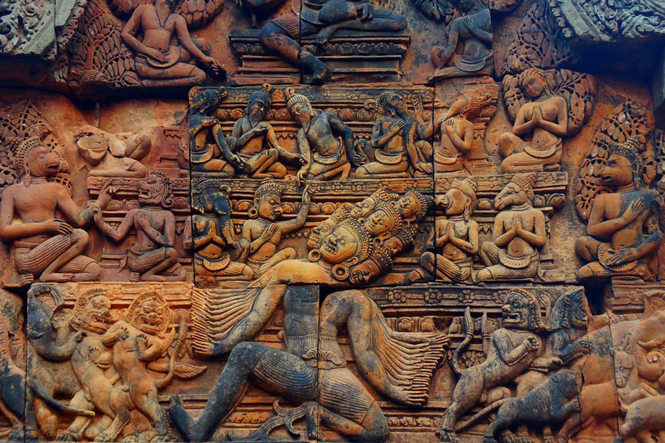 The intricate design and bas-relief carvings in Banteay Srei really set it apart from