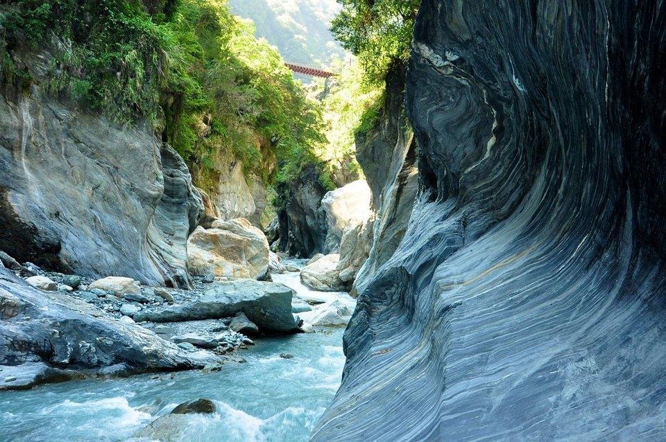 Paiyang Fall and Tsingshui Cliff taroko gorge (1)