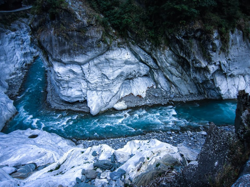 Paiyang Fall and Tsingshui Cliff taroko gorge (1)