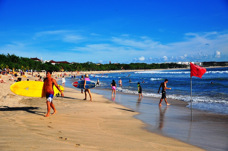 kuta beach-places to stay when coming to bali for the first time2