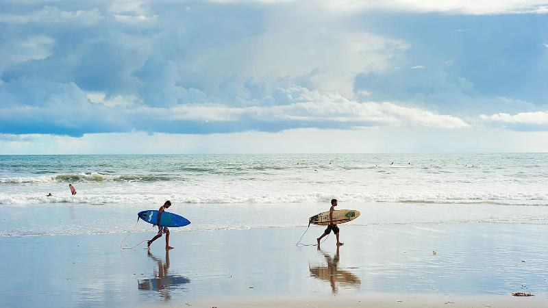 kuta beach-places to stay when coming to bali in the first time5 (2)