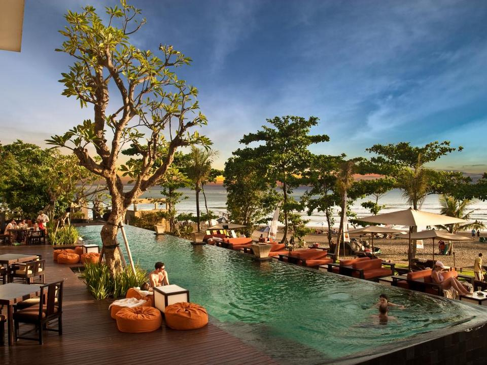 seminyak-beach-resort in bali-places to stay when coming to bali for the first time4