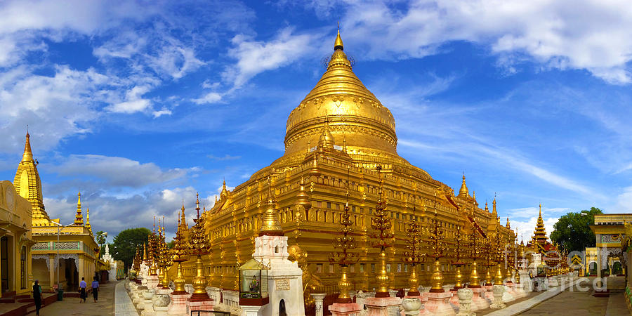 Panoramic View Of Shwezigon Pagoda Complex Nyaung Oo Near Bagan Burma. Credit image: shwezigon bagan blog.