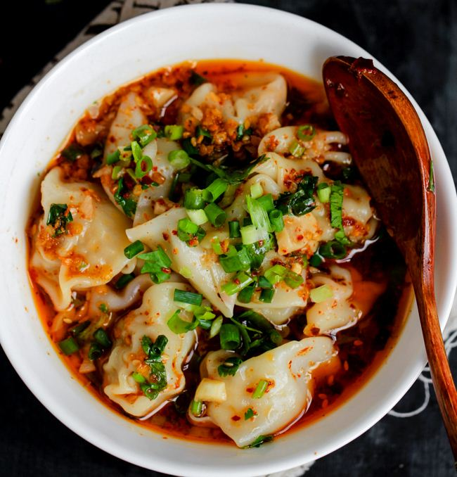 Din Tai Fung, Taiwan - Shrimp & pork wonton with spicy sauce