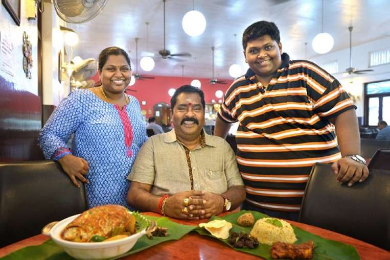 Samy's curry- Indian Restaurant in Singapore2