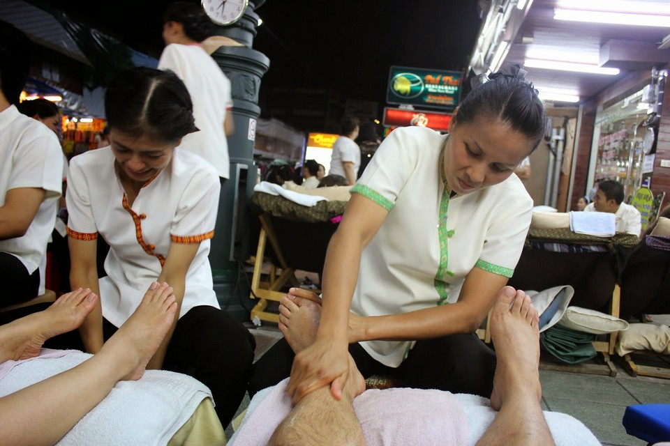 Foot Massage on The Street in Bangkok 2