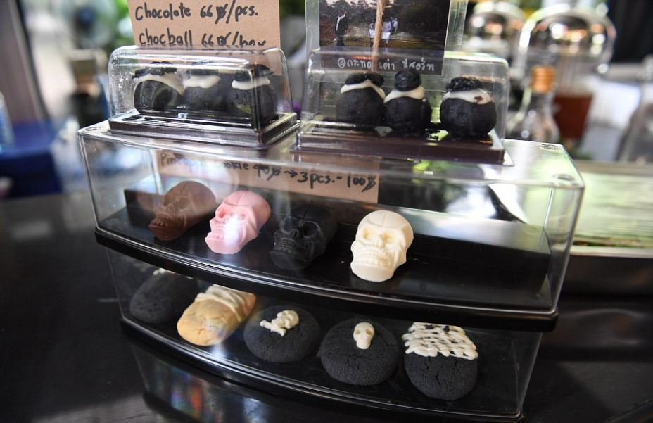 Try the feeling of death at this Bangkok coffee shop13