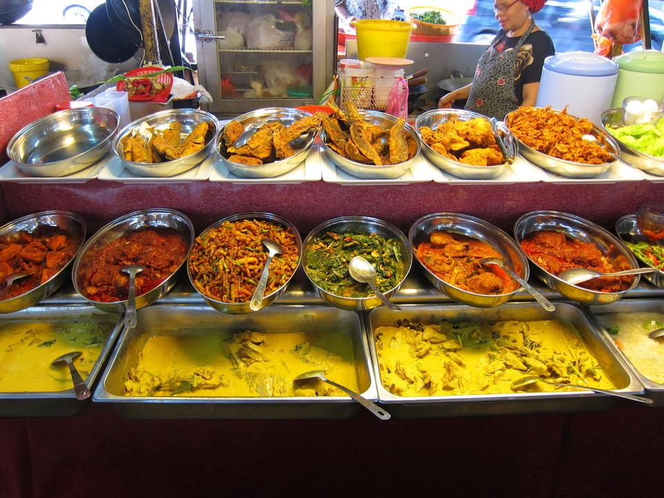 "Kuala Lumpur Street Food Tour ""Off The Eaten Track"