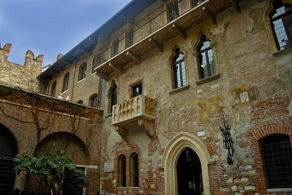 Visit Giulietta's home - Romeo's lover1