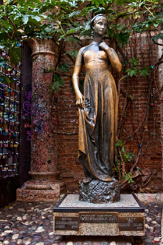 Visit Giulietta's home - Romeo's lover3
