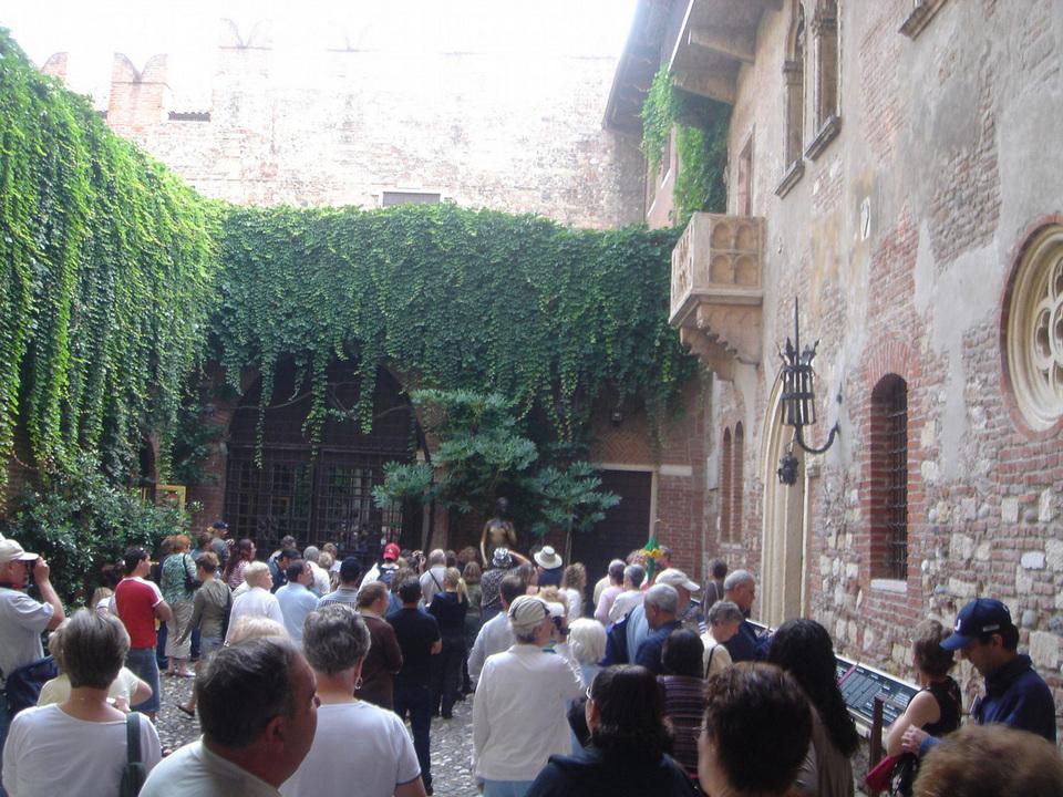 Visit Giulietta's home - Romeo's lover4