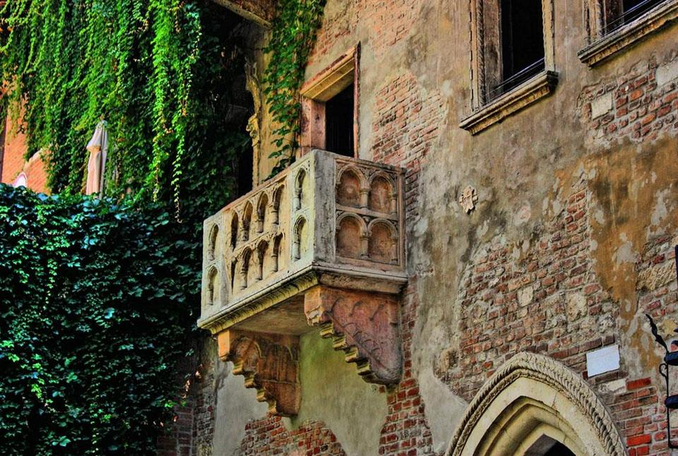 Visit Giulietta's home - Romeo's lover55