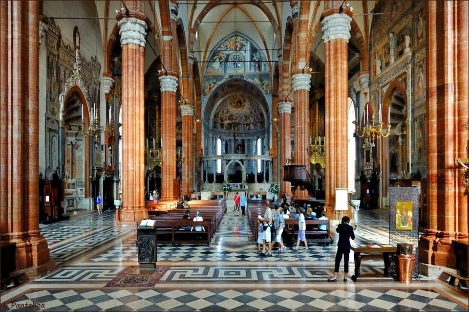 Santa Maria Matricolare verona (1)