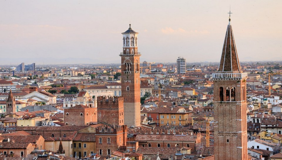 Torre-Lamberti Picture: verona travel blog.