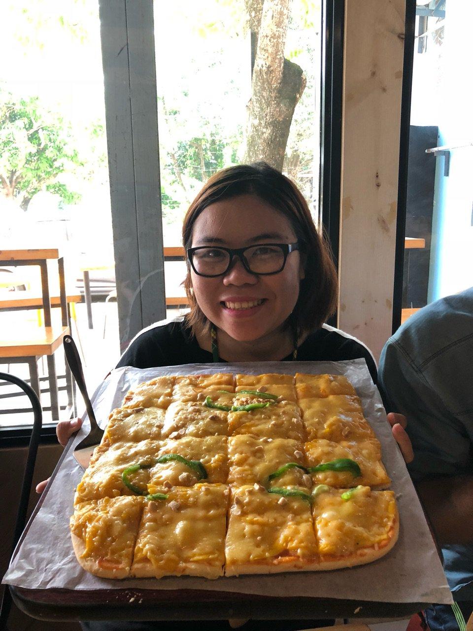 Try everything from mango-iloili-philipine2