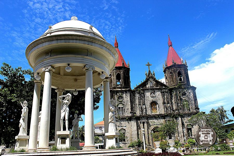Molo Church and Plaza in Molo District, Iloilo City.