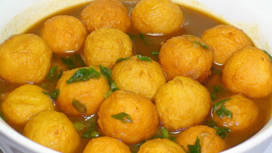 Curry Fish Balls-hong kong-street food3 Credit image: hong kong street food blog.