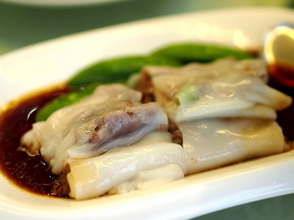 A Must-Try for any first timer to Tim Ho Wan! Vermicelli Roll Stuffed with Pig's Liver ...