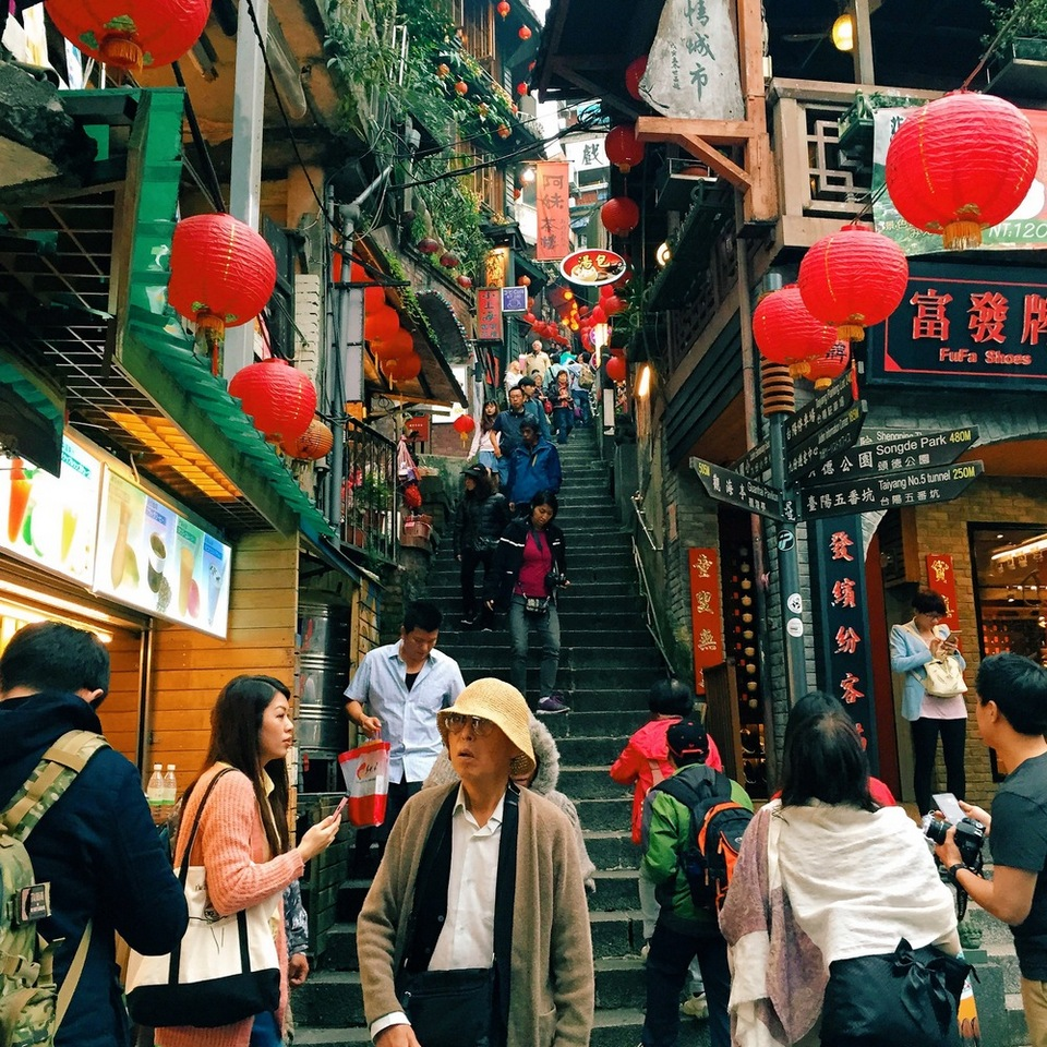 The narrow roads, 2 meters wide, consists of granite-covered steps that are unique to the ancient village of Jiufen.