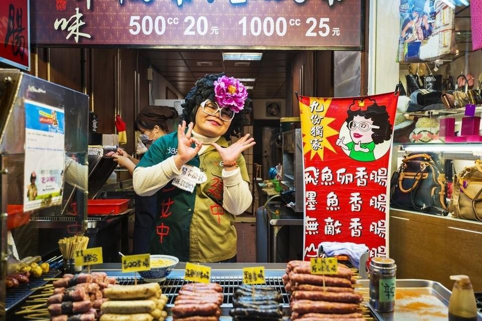 Lovely street food stall in Taipei Old Street,jiufen and shifen in one day,jiufen shifen blog,jiufen shifen day trip,jiufen shifen itinerary,jiufen shifen one day trip