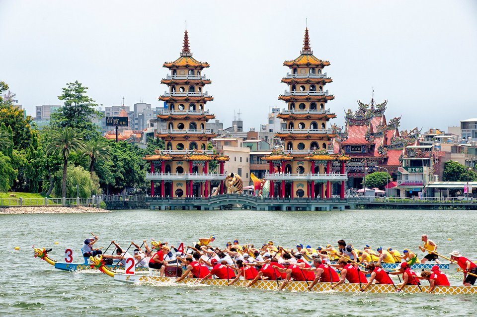Dragon Boat races in front of Dragon and Tiger Pagodas, Lotus Pond, Kaohsiung,