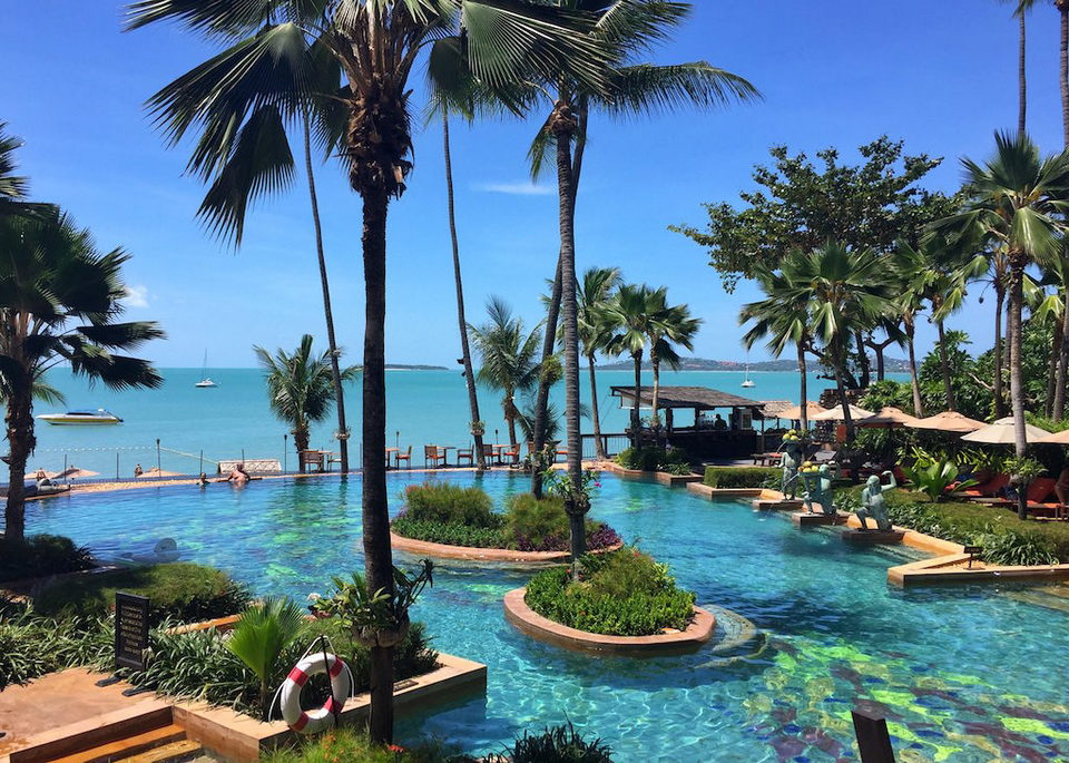 Anantara Bophut Samui swimming pool
