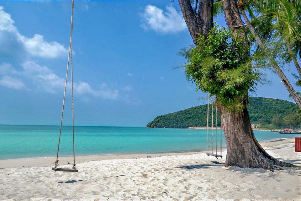 lipa-noi_beach