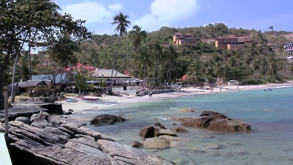 samrong beach Thongson Bay, Ko Samui, Thailand (1)
