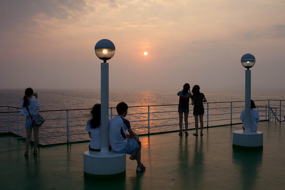 Korea-Jeju-Island-Mokpo-ferry-Watching-Sunset