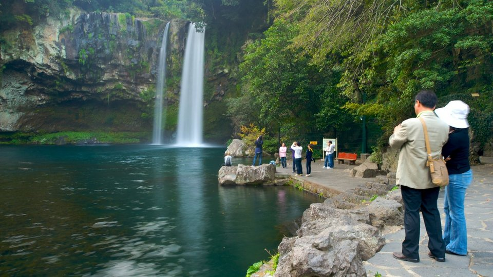 Cheonjiyeon Waterfall jeju south korea 10 days itinerary,south korea travel itinerary,korea 10 days itinerary,trip to korea itinerary
