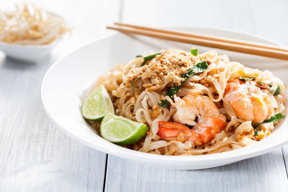 Pad-Thai-chatuchak-food-in-chatuchak-market-bangkok1