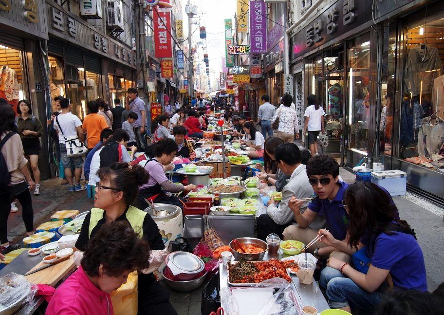 Gukje Market busan Credit image: Busan food blog.