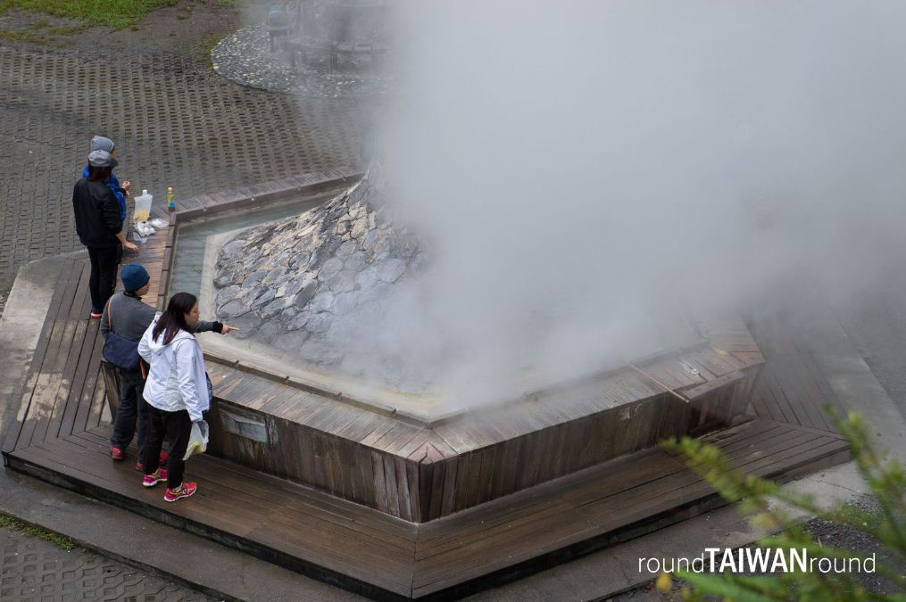Jiuzhize Hot Spring