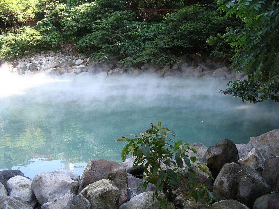 jiaosi hot spring1e