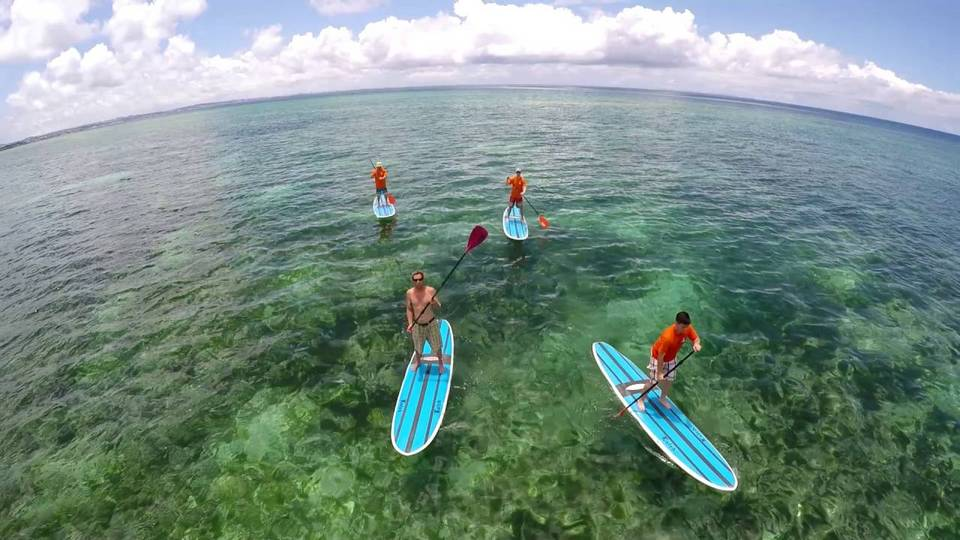 happy-sup-boarding-okinawa-japan