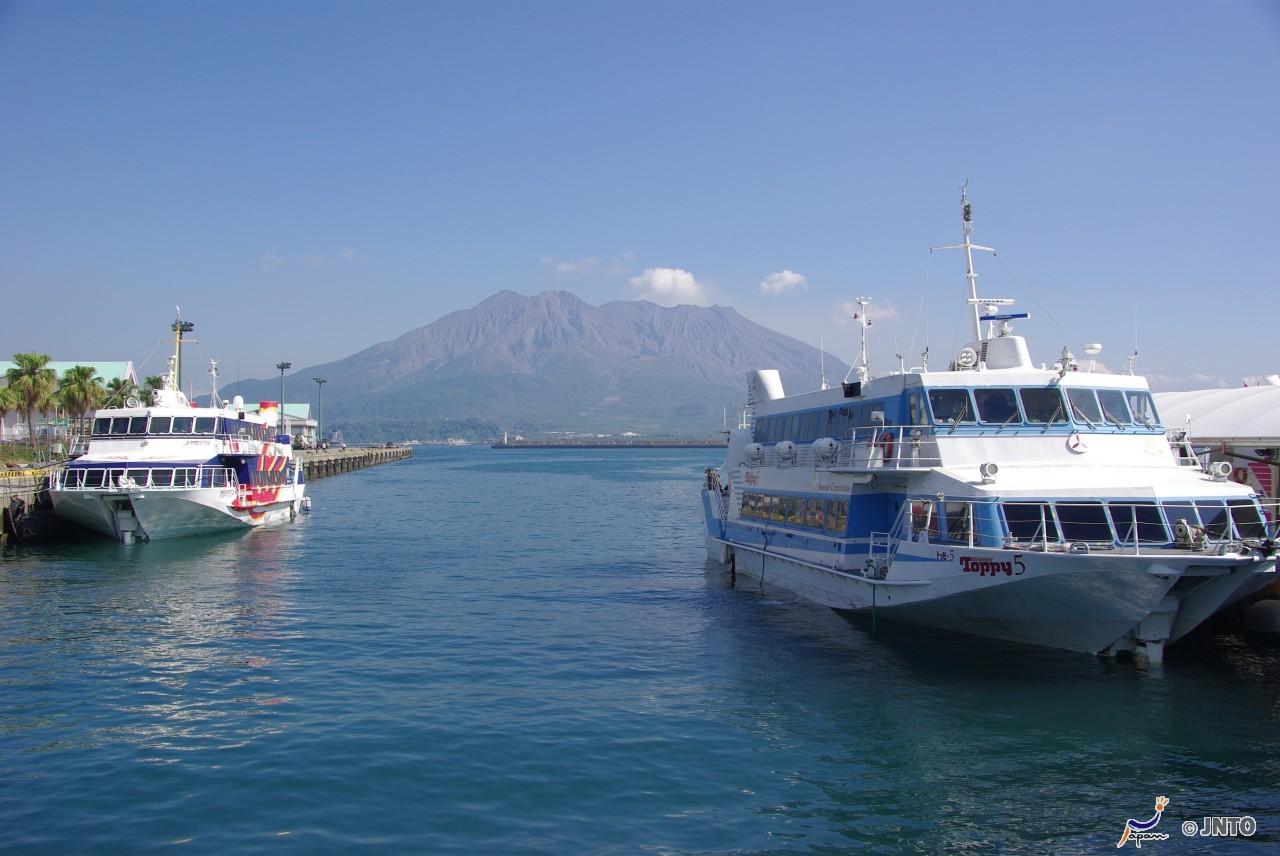 toppy-ferry-kagoshima Picture: Okinawa blog.