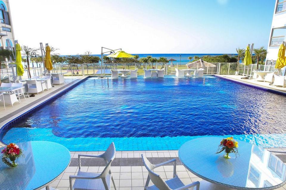 Beachside Condominium okinawa (1)
