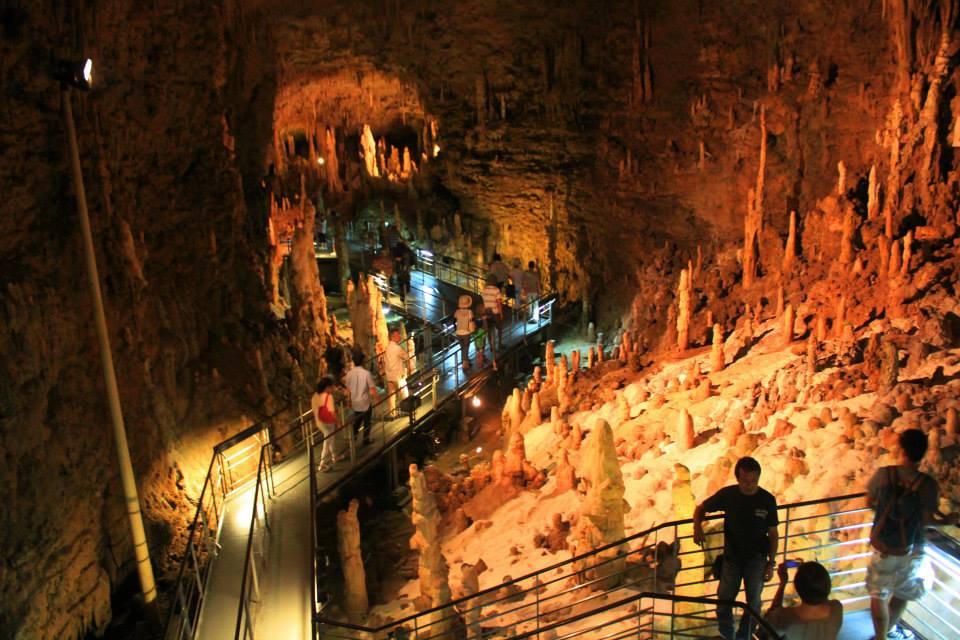 Gyokusendo Cave okinawa