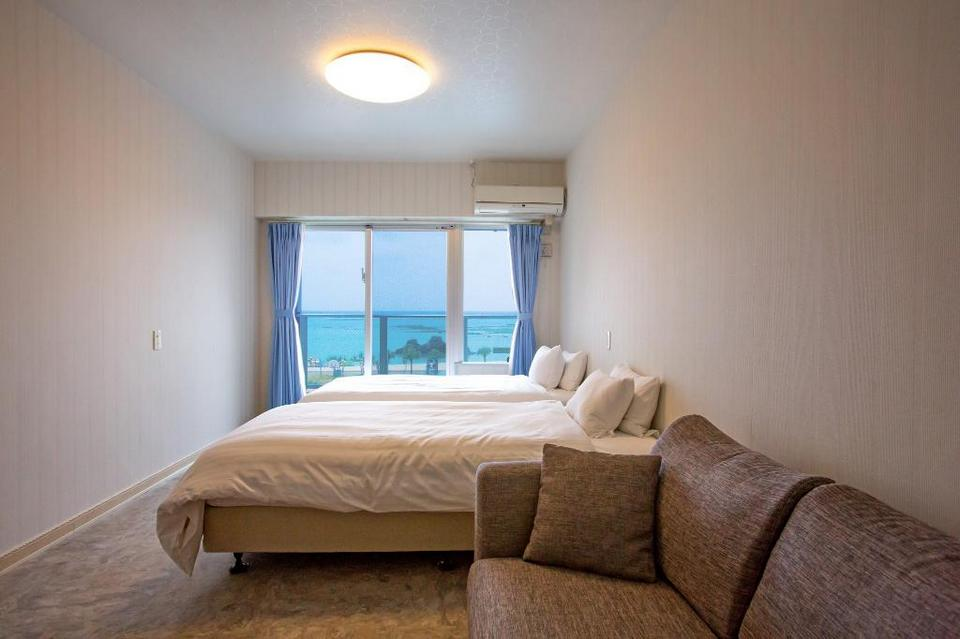 Twin Ocean View - Bed